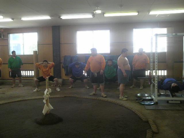 相撲部新入生 初トレーニング